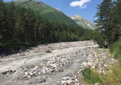 egy folyó a szállásunk közelében terszkol település
