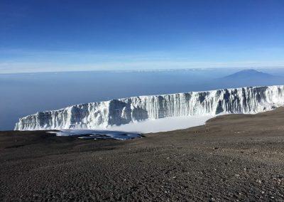 hó és jégfal a csúcs közelében